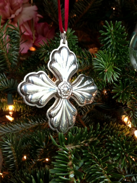 christmas ornament, christmas ornaments, christmas decoration, christmas tree, celtic cross ornament, literary suspense novel, literary suspense fiction, literary southern gothic suspense novel, literary southern gothic suspense fiction